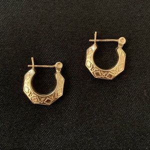 🌺14K Gold Hoop Earrings
